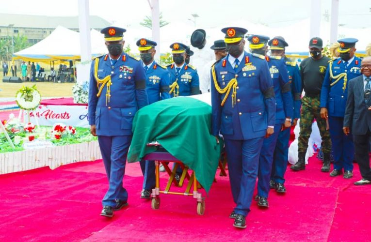 Former CAS, Late Air Marshal Nsikak Eduok Buried In Akwa Ibom, 30 Hectares Of Land Approved By Gov Udom Emmanuel For NAF.